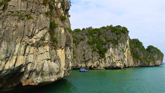 Halong Bay Castaway Tour Vietnam booze cruise aroundtheworldwithjustin.com