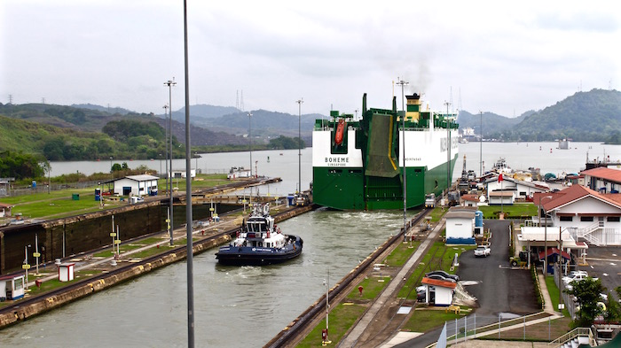 Visiting the Panama Canal Panama City Miraflores Locks aroundtheworldwithjustin.com