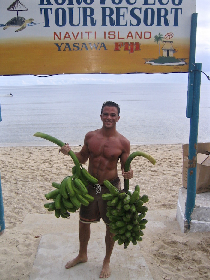 Yasawas Fiji 6 pack body aroundtheworldwithjustin.com