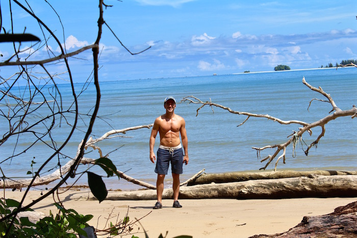 Pulau Tiga Borneo Survivor 6 pack body Justin Walter aroundtheworldwithjustin.com