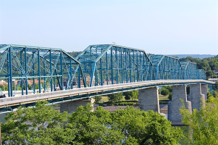Things To Do In Chattanooga Tennessee Walnut Street Pedestrian Bridge