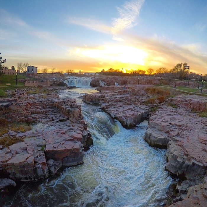 visit sioux falls south dakota falls park justin walter atwjustin.com