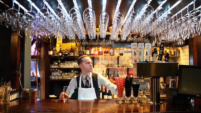 visit sioux falls south dakota parker's bistro paul bartender justin walter atwjustin.com