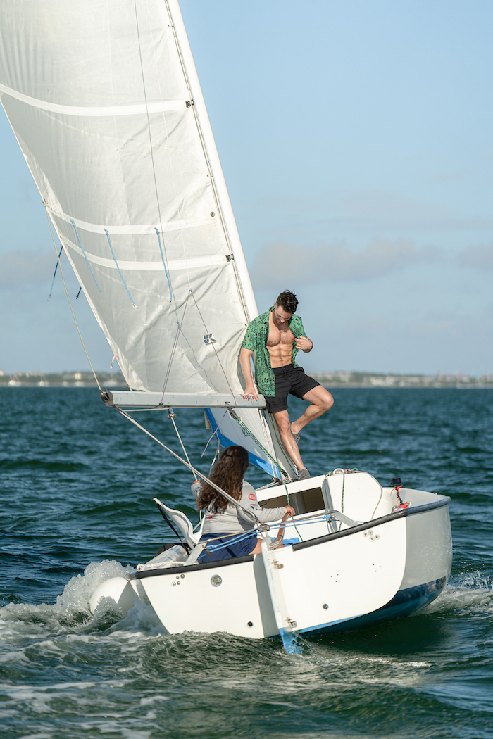 outdoor things to do in miami florida sailing coconut grove
