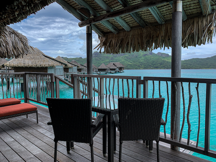 best places to stay in Tahiti bora bora overwater bungalows